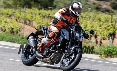 051716-spy-photos-KTM-1290-Super-Duke-Update-f-633x388.jpg
