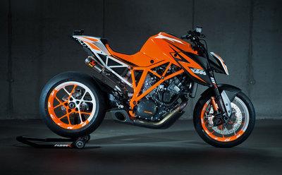 111312-2013-ktm-1290-superduke-prototype-03.jpg
