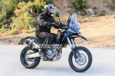 121416-spy-photos-KTM-390-Adventure-005-582x388.jpg