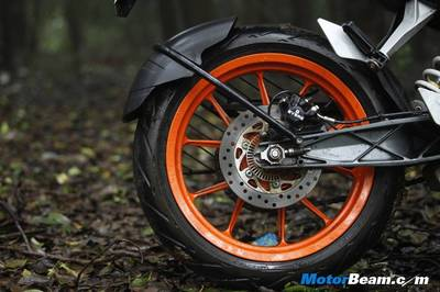 KTM-Duke-390-Road-Test-Review1.jpg