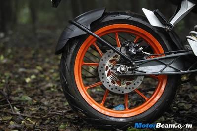 KTM-Duke-390-Road-Test-Review1.jpg
